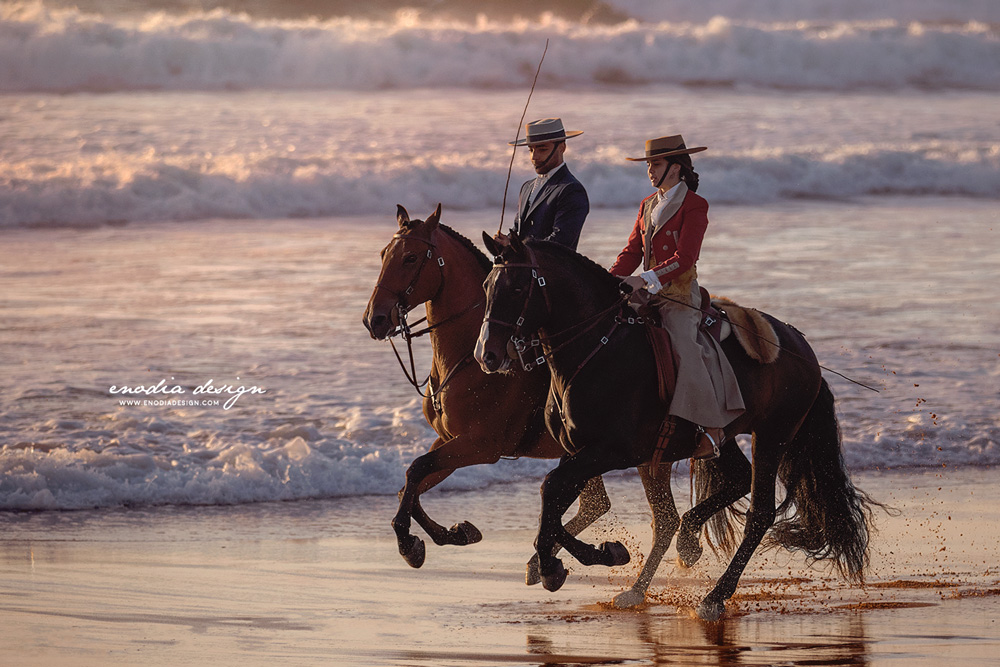Frederico Peres and Nicole Silva with their handsome stallions, Duque and Dandy, cantering by the shore. What a sight! Thanks Lusitano World and Rita Fernandes for this chance! © Giulia Basaglia - Enodia Design & Photography
